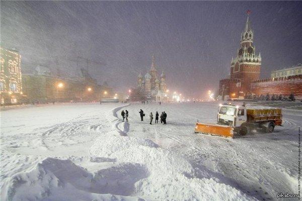 Ночью на Красной площади