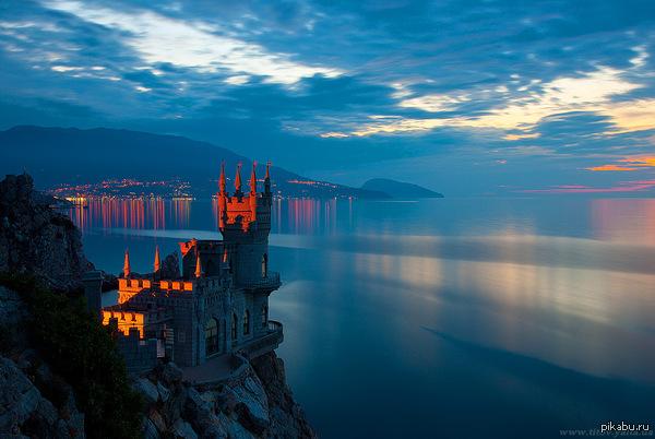 Ласточкино гнездо Символ южного берега Крыма  Крым, Ялта, замок, скала, достопримечательности, путешествия