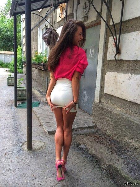 Фото красивые девушки мини юбках